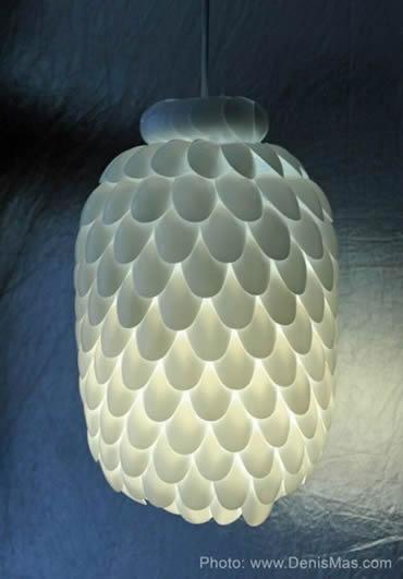Luminaria-com-Colheres-de-Plastico-8
