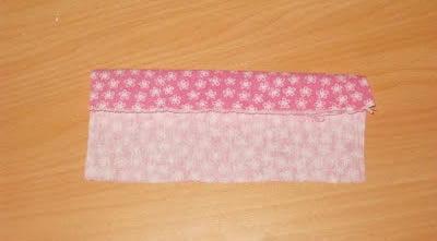 dobrando o tecido do laço