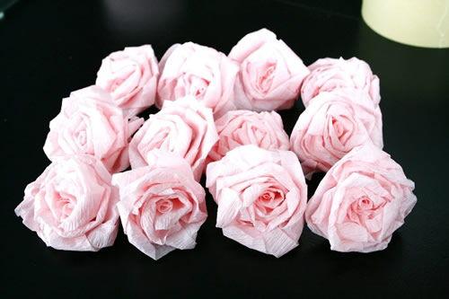 conjunto de flores de papel crepom