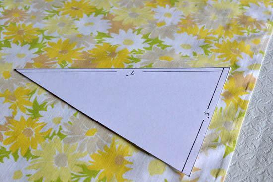 molde da bandeirinha triangular finalizado