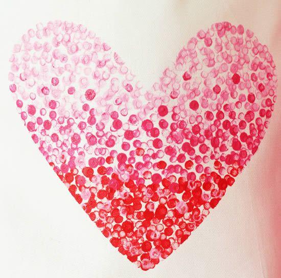 imagem completa da pintura com molde de coração