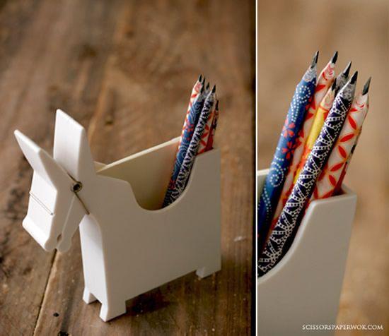 Lápis personalizados em casa