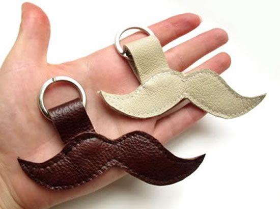 Chaveiro bigode