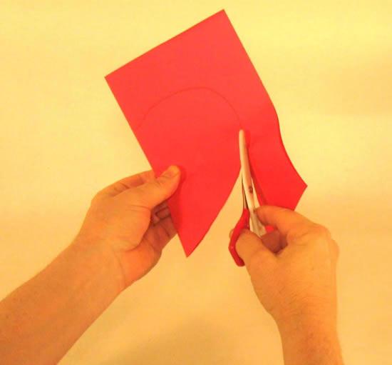 Fazendo coração de papel