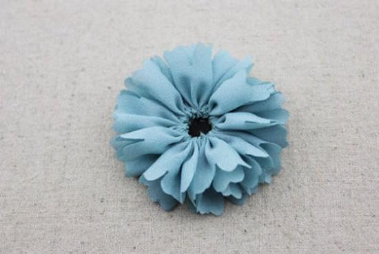 Fazendo florzinha de tecido