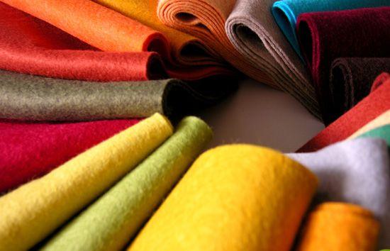 variedade de cores de mantas de feltro para artesanato