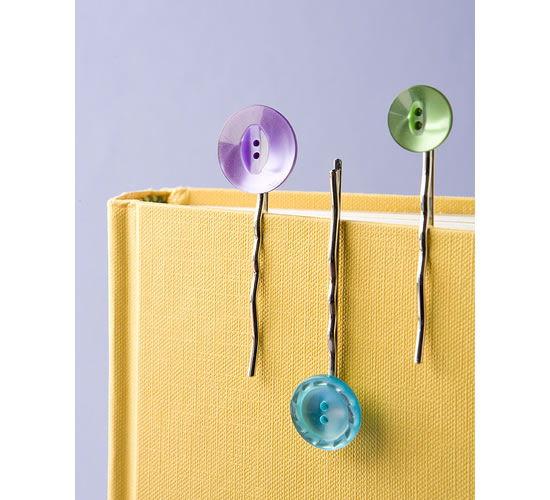 Marcador de livro com botões e berilo