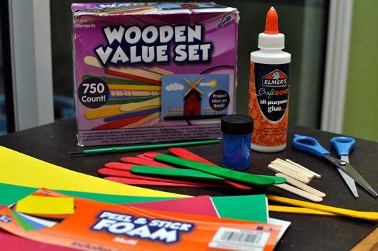 Materiais para fazer arte com palitos de picolé