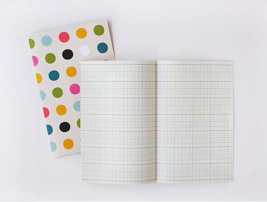 Decorando caderno artesanal