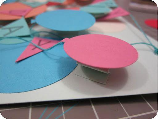 Colando o balão de papel no cartão