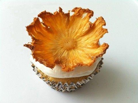 Flor feita de abacaxi