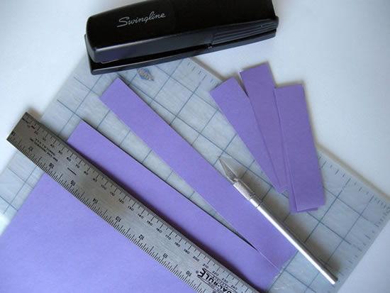 Tiras de papel colorido para decoração