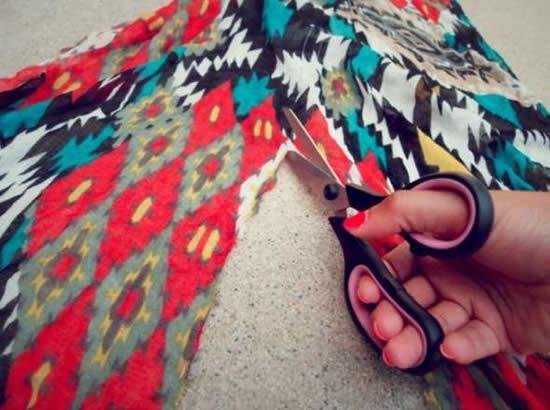 Cortando canga de algodão