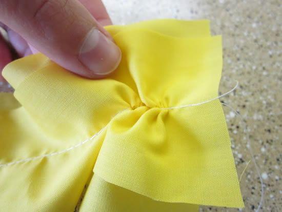 Fazendo o babado de tecido
