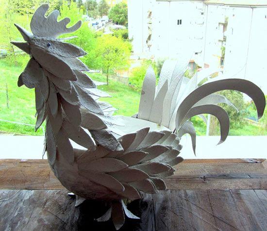 Galo de papelão para artesanato