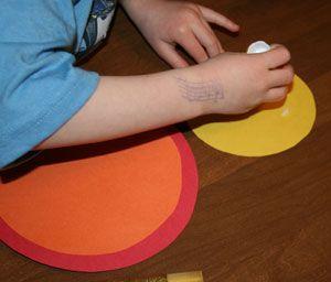 Colando os círculos coloridos
