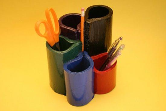 Porta-lápis reciclando lista telefônica