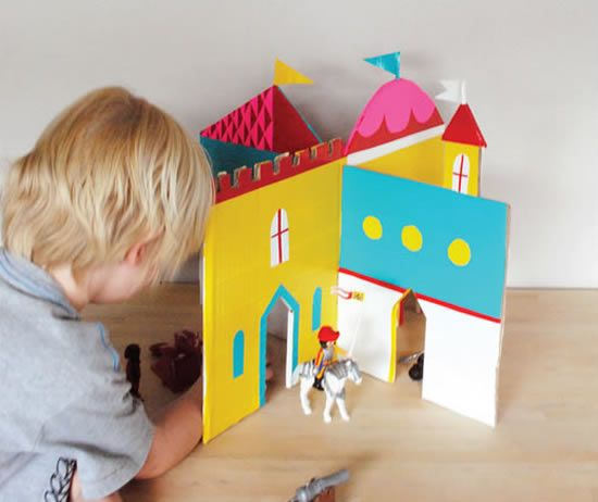 Artesanato infantil com papelão - Castelo colorido