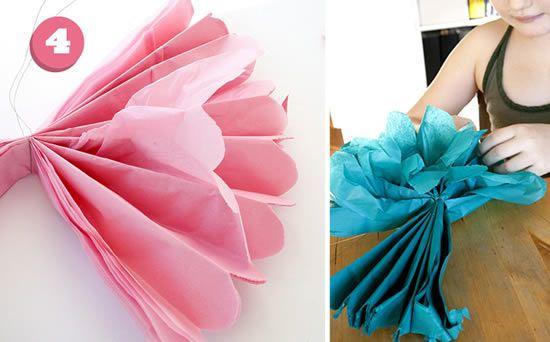Fazendo decoração com papel de seda