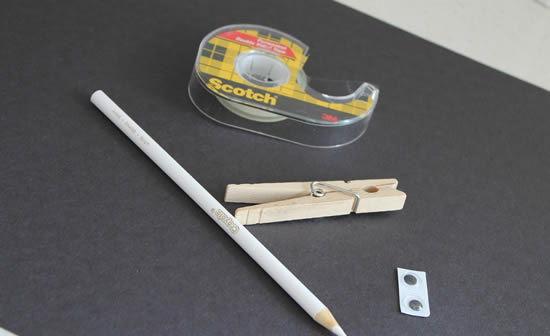 Materiais para fazer o morceguinho de cartolina