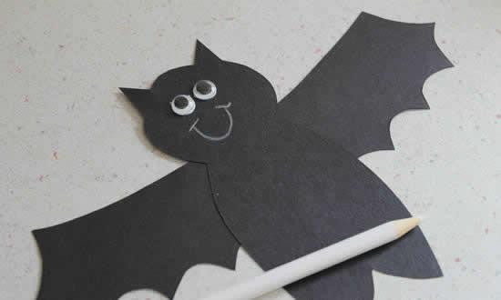 Morcego de cartolina passo a passo para decoração