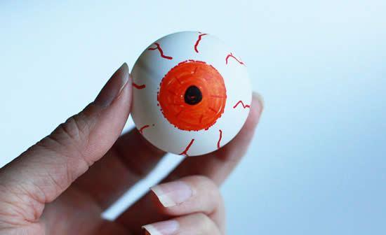 Desenho de olho na bola de ping-pong