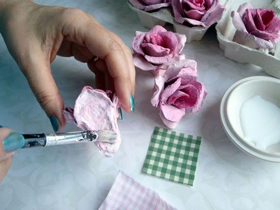 Flor de papelão reciclada passo a passo