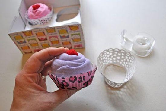 Cupcake de tecido com conjuntinho de bebe