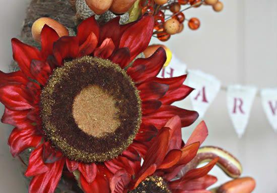 Flor natural em guirlanda para decoração da casa