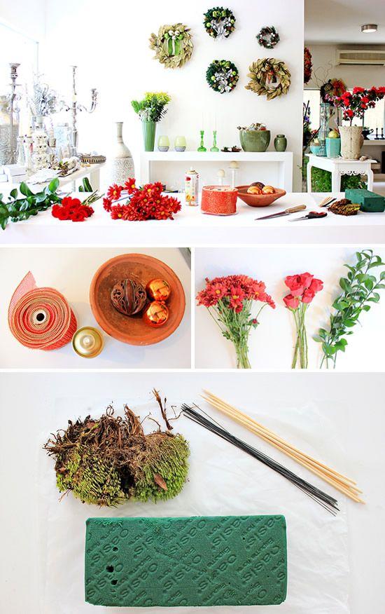Materiais para fazer um arranjo de flores para o Natal