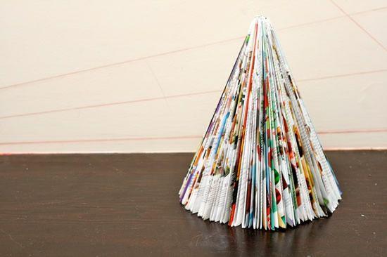 Como fazer Árvore de Natal com revistas