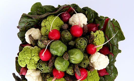 Cesta de Natal com legumes
