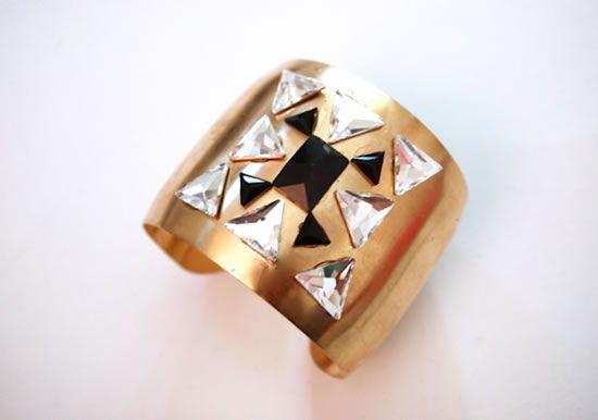 Bracelete dourado decorado passo a passo