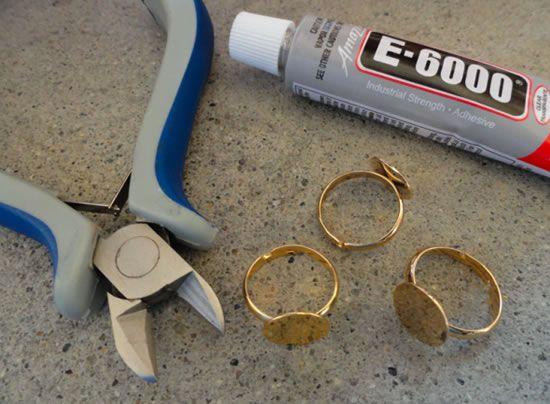 Como fazer aneis com itens reciclados