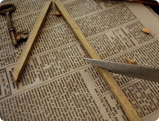 Criando decoração com chaves, madeira e moldura passo a passo