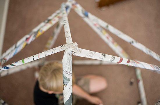 Passo a passo de artesanato com jornal