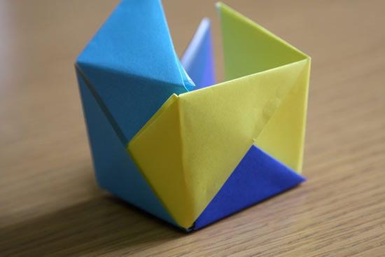 Como criar uma caixinha de origami com papel