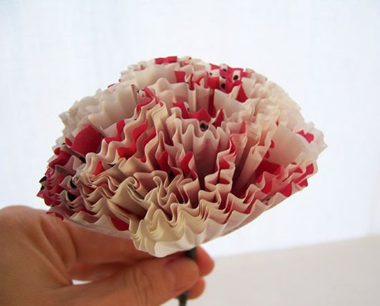 Flor de papel com forminhas passo a passo