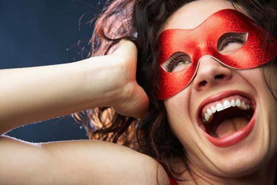 Como fazer máscara de carnaval em casa
