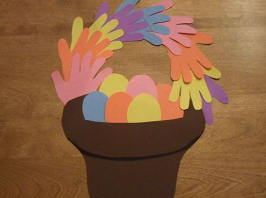 Cesta de Ovos de Páscoa para decoração infantil