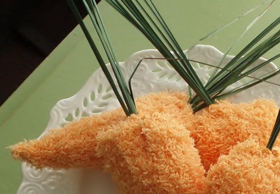 Cenoura de tecido para decoração de Páscoa