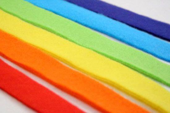 Tirinhas de feltro coloridas