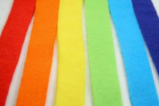 Feltros coloridos para fazer arco-íris