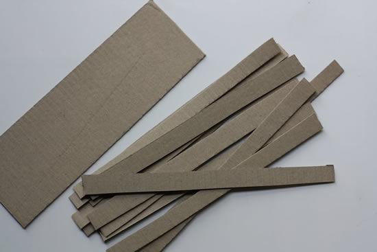 Tiras de papelão para fazer artesanato