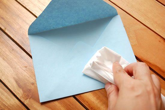 Como criar um lindo envelope artesanal passo a passo