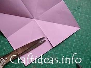 Como fazer dobradura de papel para criar estrela
