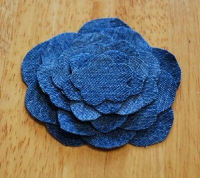 Fazendo uma flor de tecido