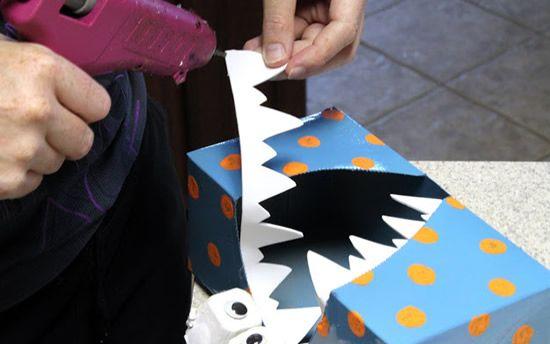 Dentes brancos de EVA para colocar no monstrinho de papel
