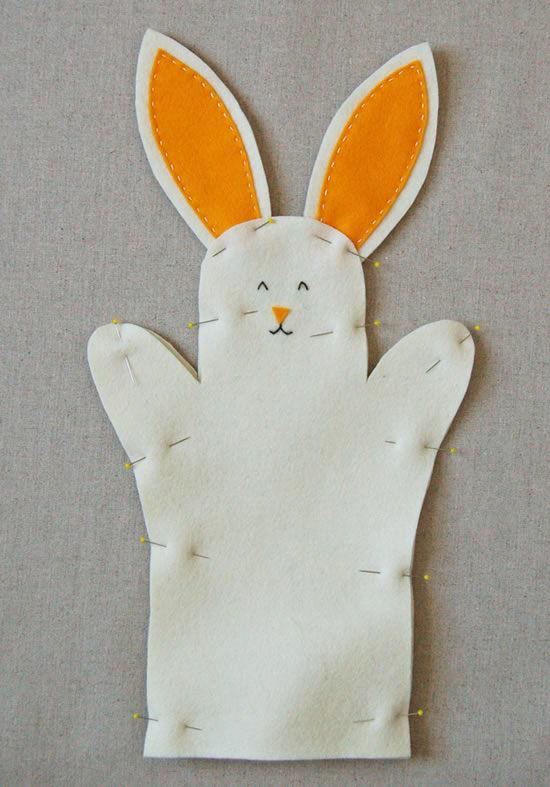 Corpo do coelho de feltro alfinetado