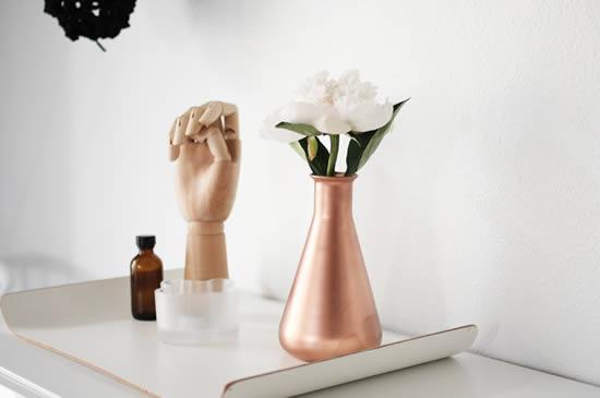 Jarrinho de flor com tubo de ensaio - Artesanato